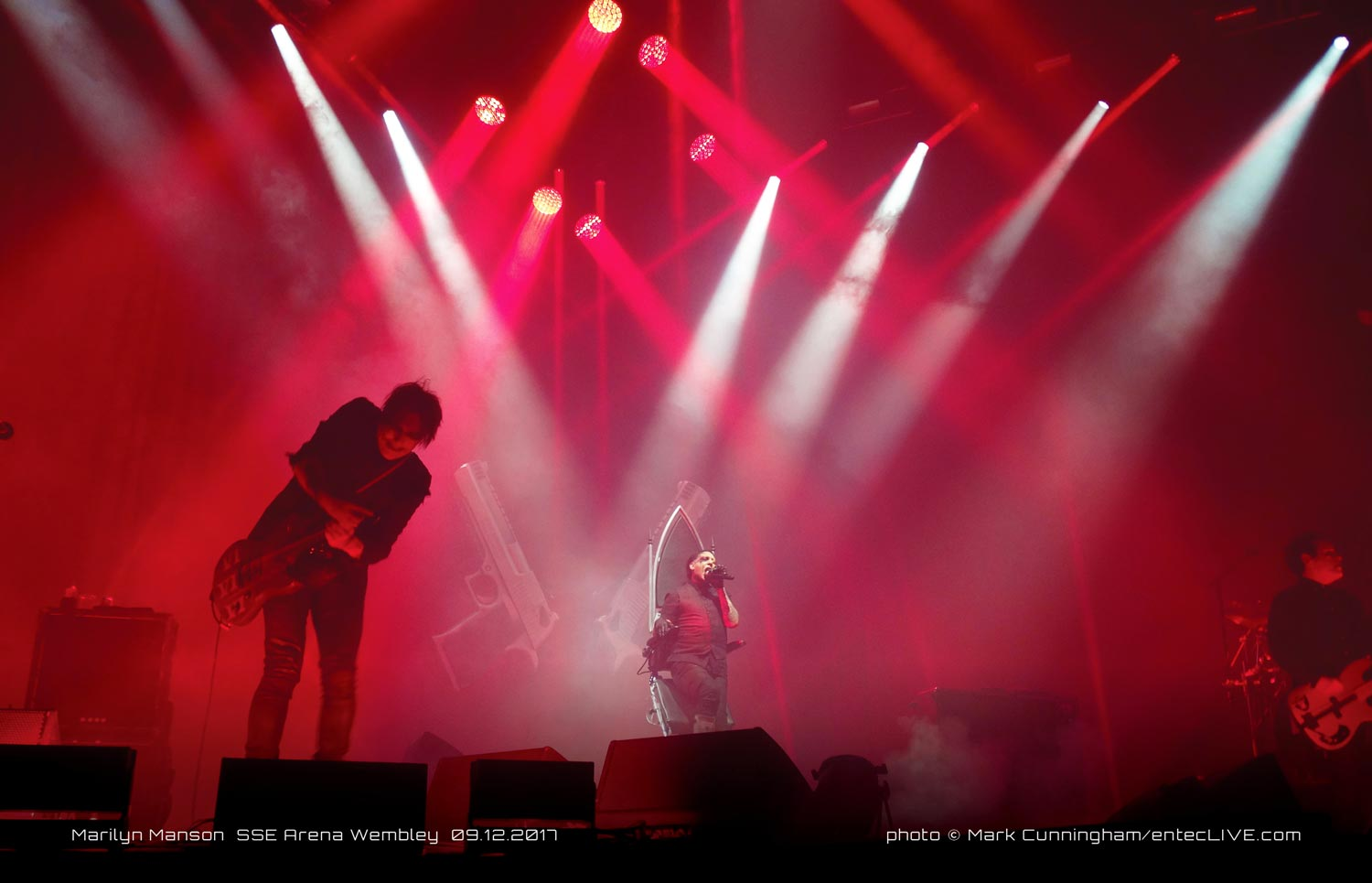 MANSON TOURS EUROPE WITH ENTEC