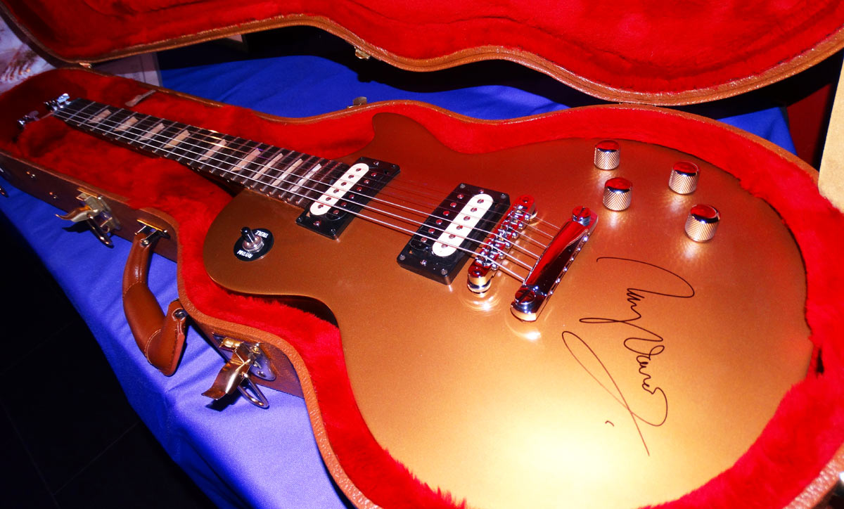 Ray Davies signed Les Paul